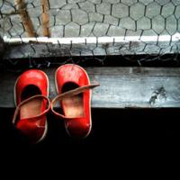 """""""Un paio di scarpette rosse"""". Per la memoria."""