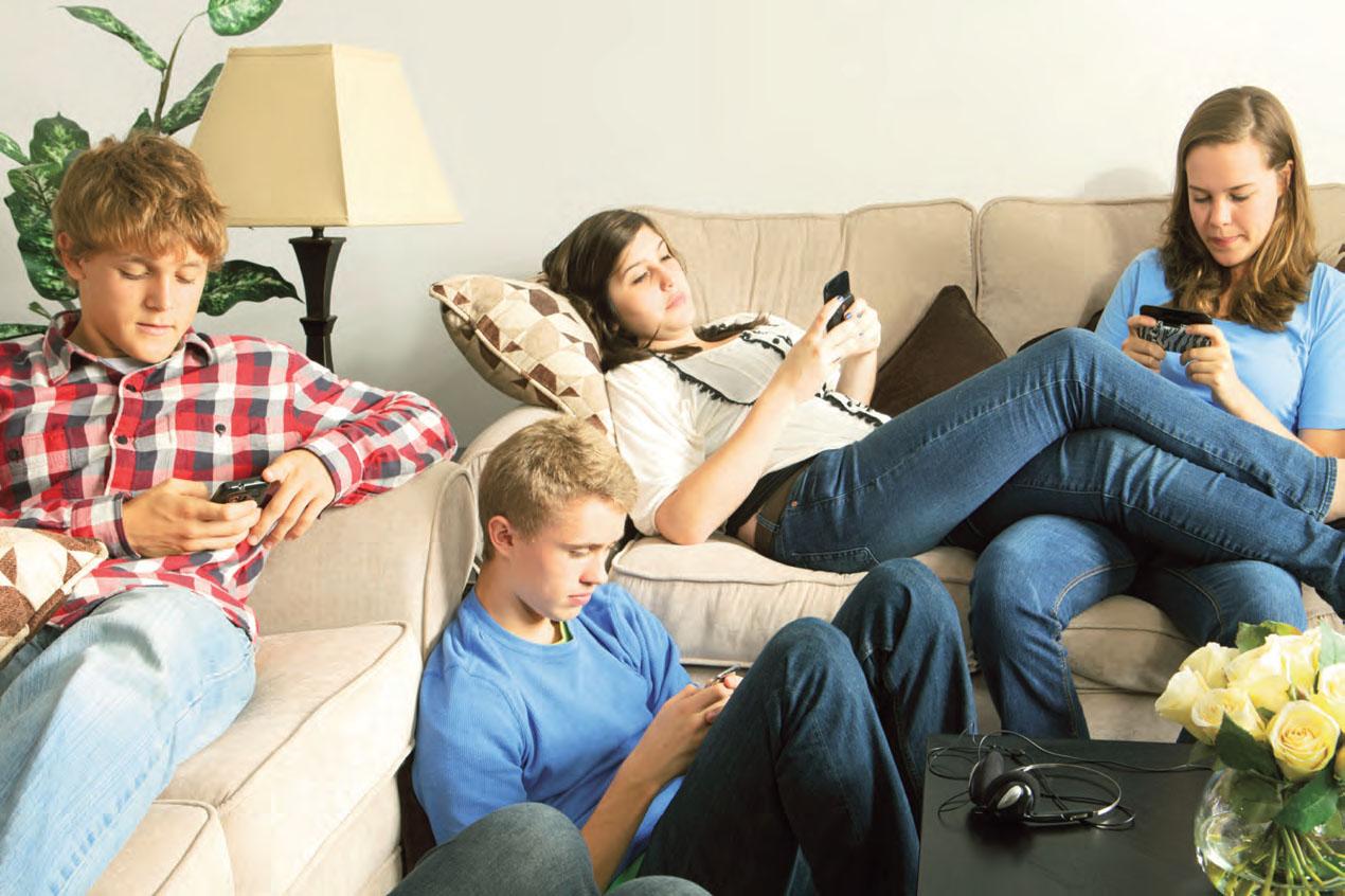 Millenials veronesi e smartphone oltre ogni limite.  E papà e mamma non sanno chefare.
